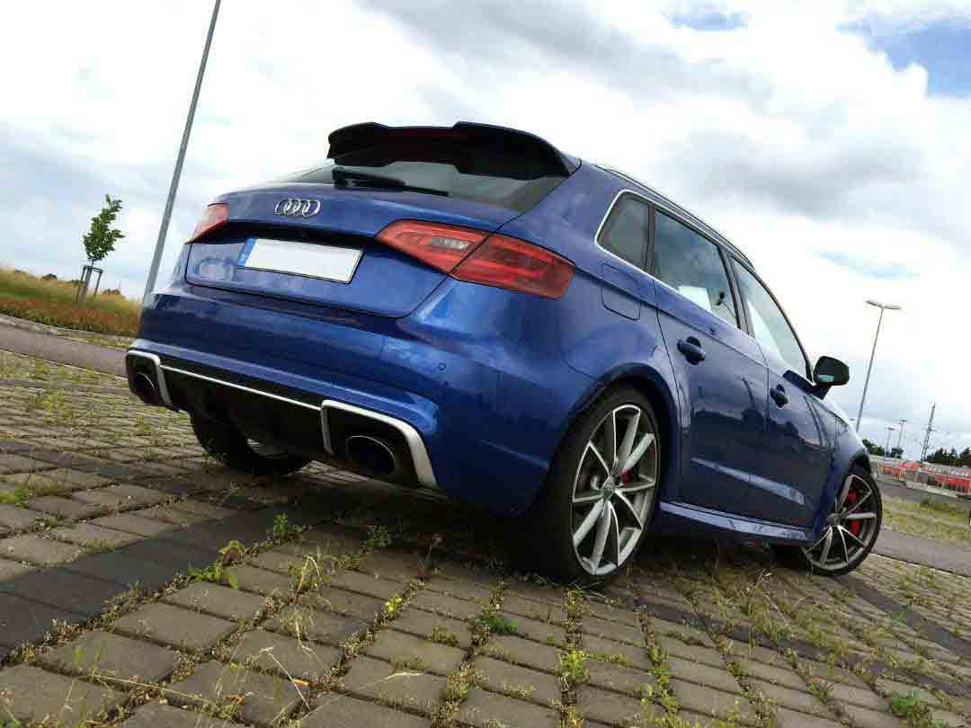 Audi RS3 Heck blau