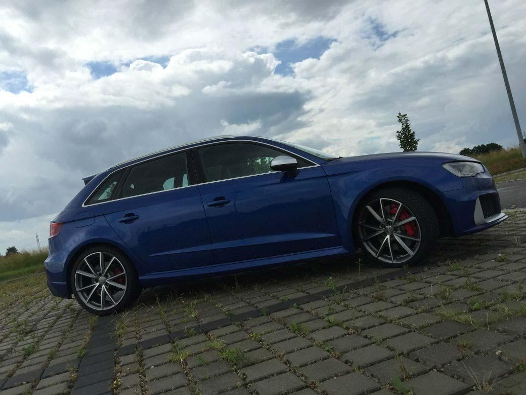 Audi RS3 Front blau