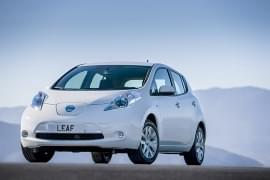 Nissan Leaf von vorn