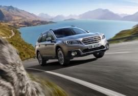 Subaru Outback auf Straße
