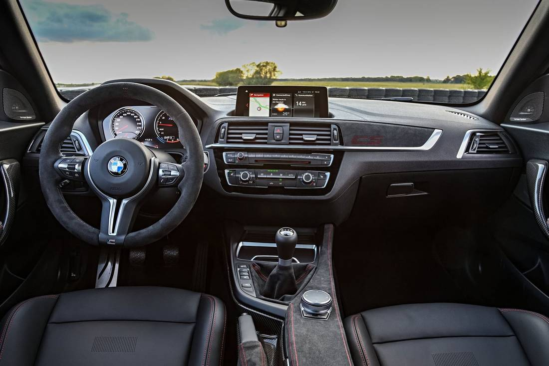 BMW-M2-CS-Interior