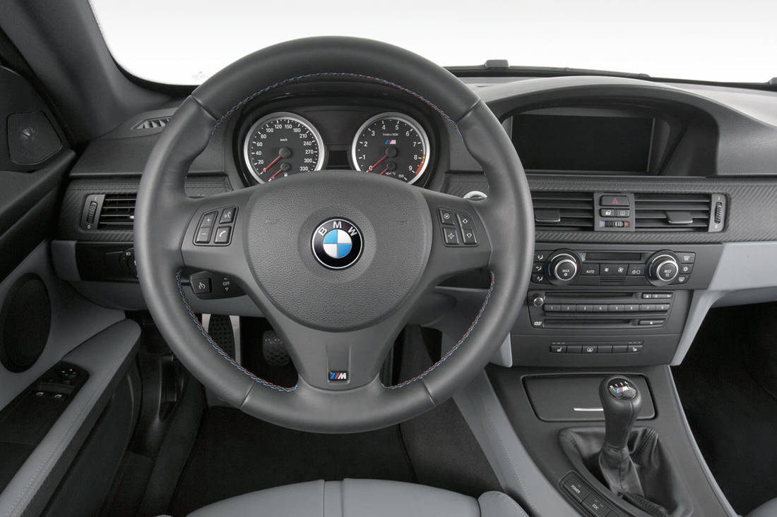 Hero-BMW-M3-E90-interior-manual