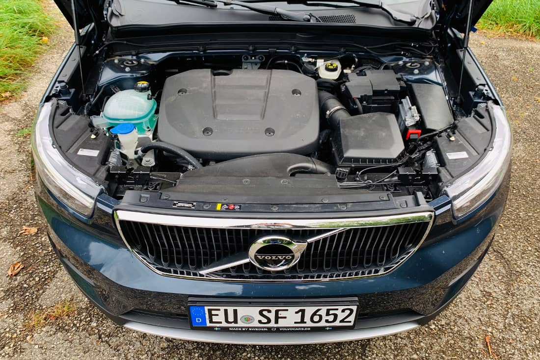 Volvo-XC40-T2-Engine