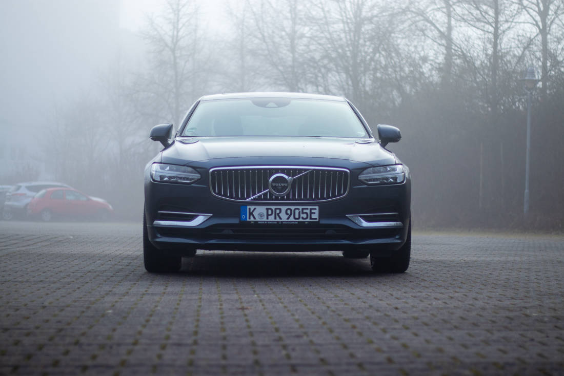 Volvo S90 T8 Twin Engine Front 1