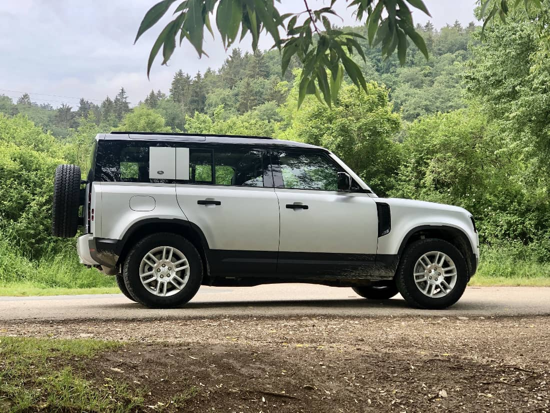 Land Rover Defender 110 2020 P400 Profile