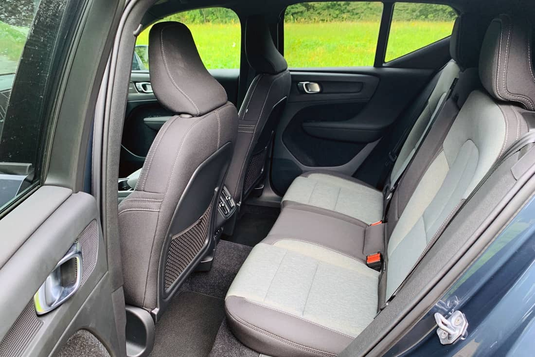 Volvo-XC40-T2-Backseat